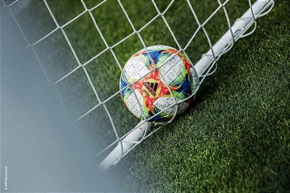 Fußball_01_(c)_ServusTV_GEPApictures.jpg