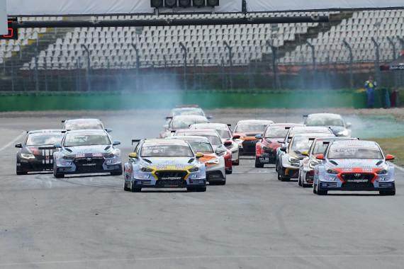 Start frei für Lauf zwei der ADAC TCR Germany auf dem Hockenheimring