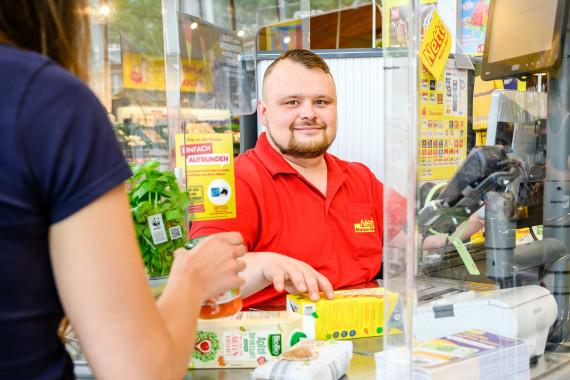Netto Marken-Discount_Kassensituation_Regionale-Spendenaktion.jpg